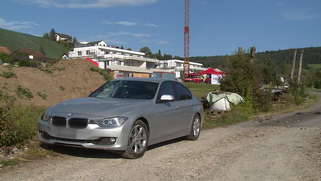 Tegerfelden (AG): E-Bike-Fahrer stirbt nach Kollision mit Polizeiauto