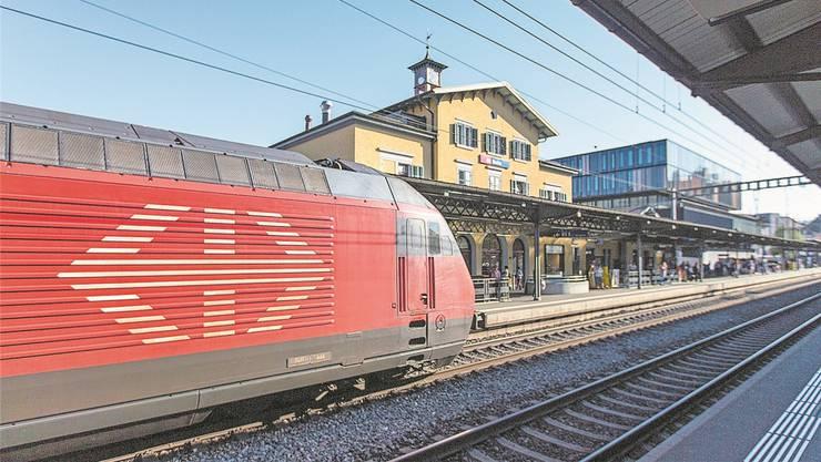 Nächster Halt: Manchmal nicht Baden, weil Züge den geplanten Stopp einfach auslassen.