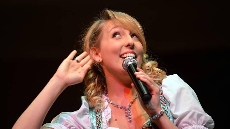 Michelle Ryser singt im Konzertsaal.
