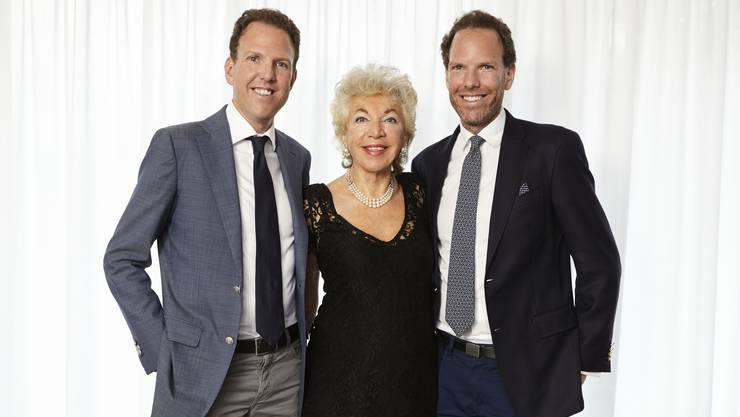 Ljuba Manz mit ihren Söhnen Alexander und Michael Manz.