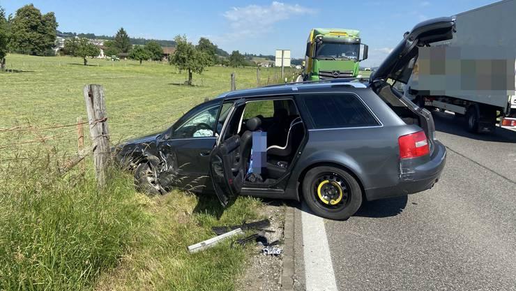 Villmergen AG, 28. Mai: Ein Automobilist hantiert am Radio und kollidiert mit einem entgegenkommenden Lastwagen.