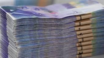 Zwischen 2000 und 2006 hatte Valeria M.*, die ehemalige Leiterin der Finanzbuchhaltung der ETA SA in Grenchen, ihre Arbeitgeberin um rund 4,8 Mio. Franken erleichtert. (Symbolbild)