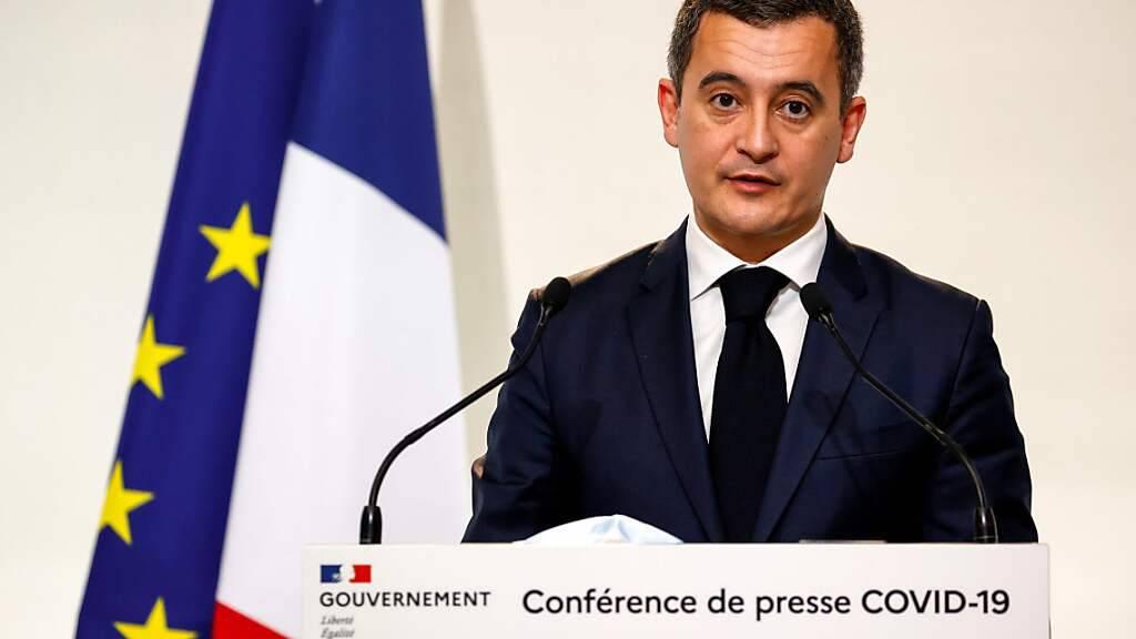 ARCHIV - Gerald Darmanin, Innenminister von Frankreich, spricht auf einer Pressekonferenz. (Archivbild) Foto: Thomas Samson/AFP/dpa