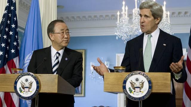 UNO-Generalsekretär Ban Ki Moon (links) und US-Aussenminister John Kerry wollen den Iran gemeinsam unter Druck setzen