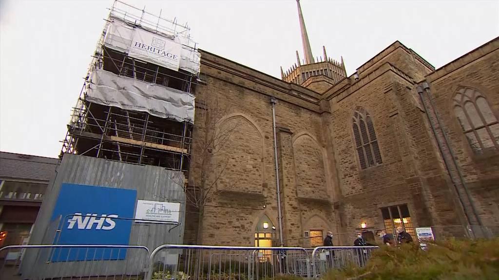 Piksen in der Kirche - Englische Kathedrale werden zu Impfzentren