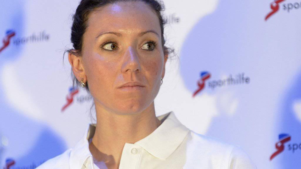 Die sportliche Herausforderung ist das eine: Seit einigen Monaten hat die Schweizer Biathletin Selina Gasparin zudem auch als Mutter Höchstleistungen zu erbringen (Archiv).