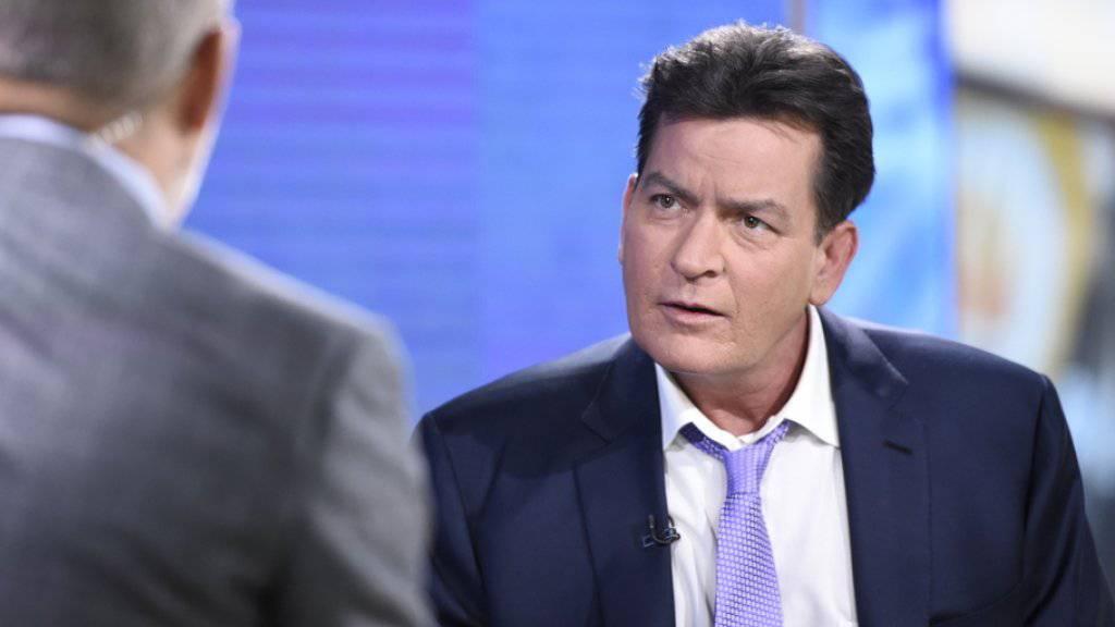 """Charlie Sheen in der NBC-Show """"Today"""", in der er am Dienstag seine HIV-Ansteckung publik machte. Spekulationen darüber, wie er sich das Virus geholt haben könnte, folgten am Mittwoch bei Fuss."""