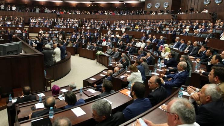 Das türkische Parlament in Ankara hat grünes Licht für eine mögliche Militärintervention im Bürgerkriegsland Libyen gegeben. (Archivbild)