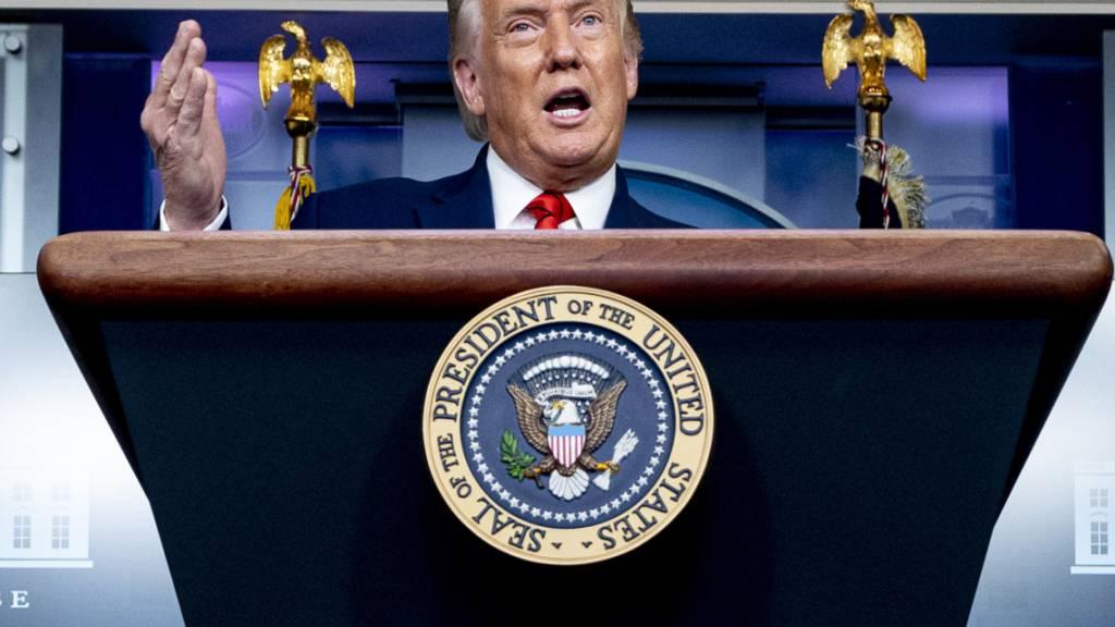 Donald Trump, Präsident der USA, spricht während einer Pressekonferenz im Weißen Haus. Foto: Andrew Harnik/AP/dpa