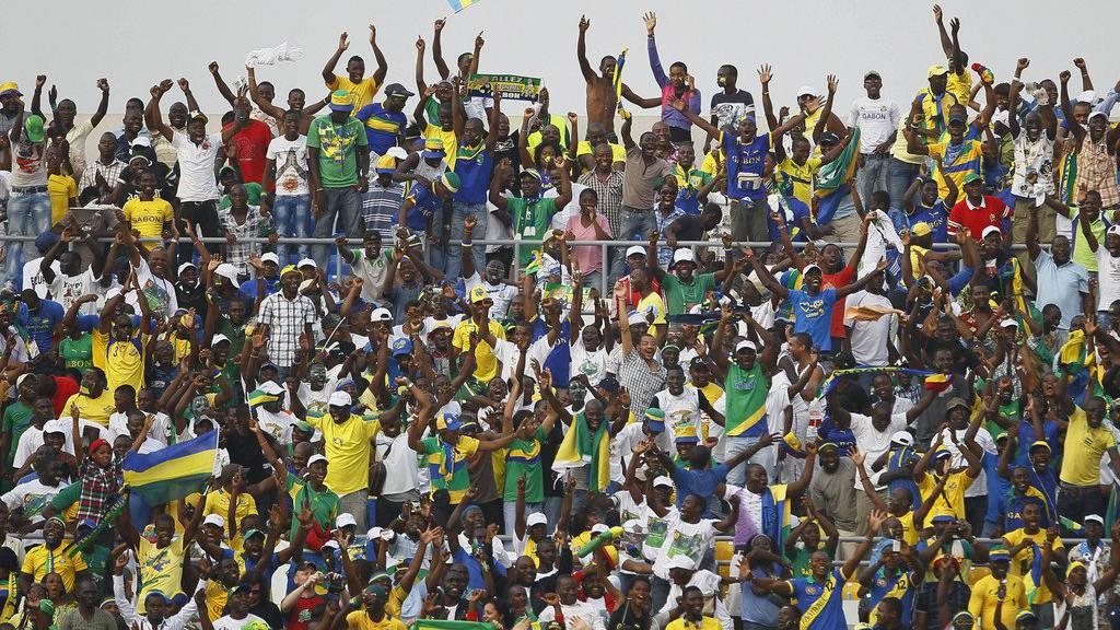 Wie viele Fans werden in die Stadien kommen?