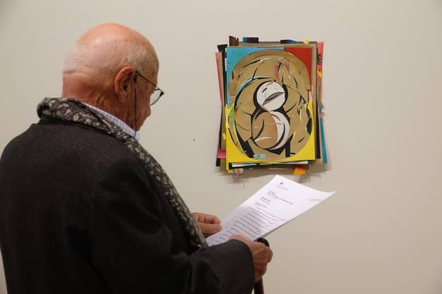 Eines der Werke aus übereinandergeschichteten ausgeschnittenen Papierstücken von Christian Herter.