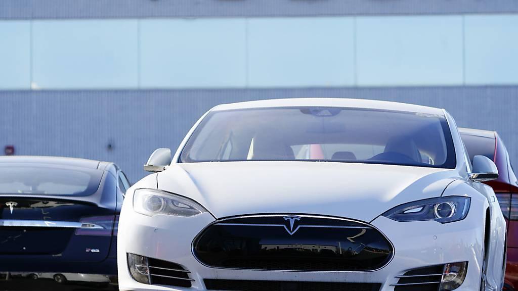 Tesla soll 158'000 Fahrzeuge zurückrufen