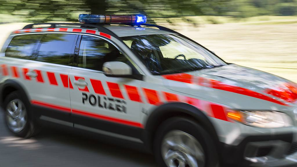 Mann in Näfels GL von Auto angefahren und verletzt