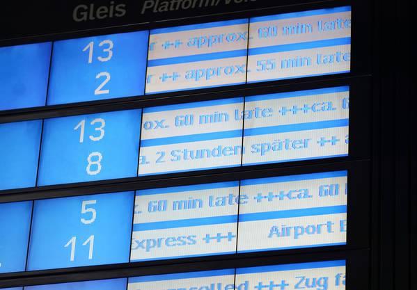 Streik In Deutschland Bahn Stellt Fernverkehr Ein