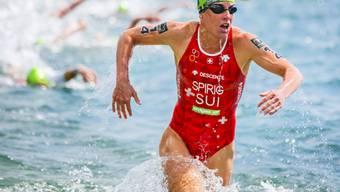 Schnell im Wasser und auf dem Velo, einzig beim Laufen mit leichten Problemen: Nicola Spirig war am Zürich Triathlon nicht zu schlagen