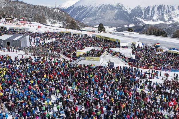 Die 400'000 Besucher gehen nach Hause, ohne ein Spektakel gesehen zu haben.