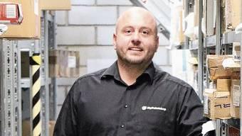 Simon Kühn nahm 2019 etwa 150000 Sendungen entgegen. Pro Paket kassiert er rund drei Euro.