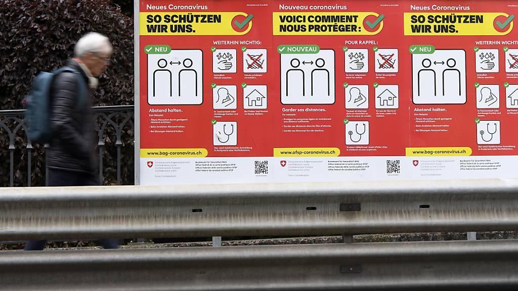 In der Schweiz und in Liechtenstein sind dem Bundesamt für Gesundheit (BAG) am Sonntag ... neue Coronavirus-Ansteckungen innert eines Tages gemeldet worden.