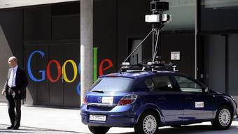 Street-View-Kamerfahrzeug vor dem Google-Hauptsitz (Archiv)