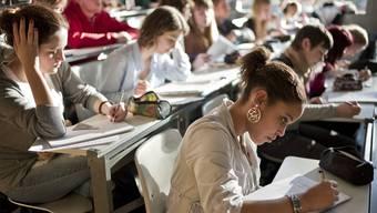 Nach Grossbritannien werden zukünftig auch weniger Studierende für ihre Ausbildung gehen. (Symbolbild)