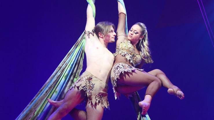 Als Tarzan und Jane: Francesco Nock und Simona Gheorghe.