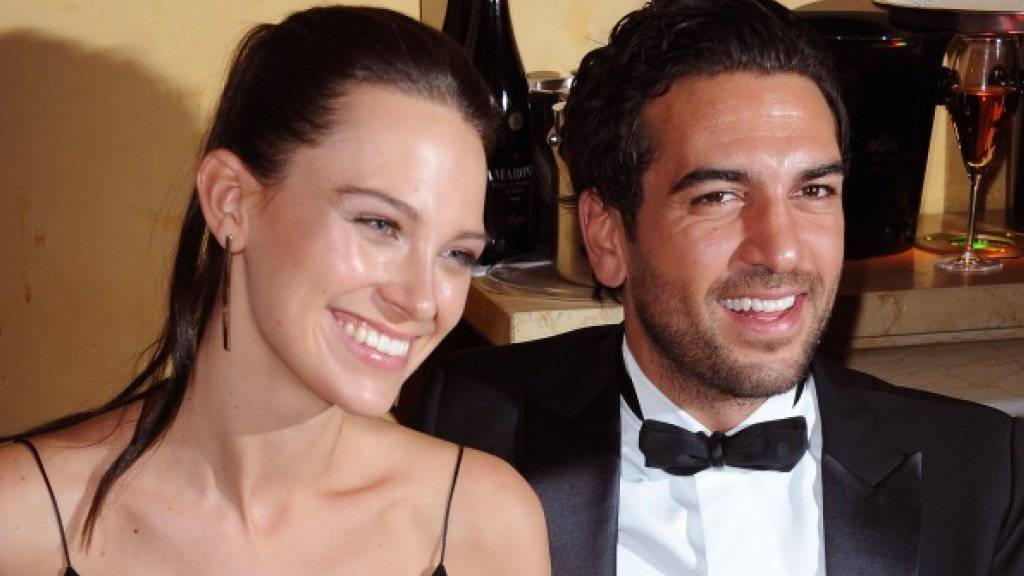 Elyas M'Barek und seine neue Freundin Julia auf dem Münchner Filmball (Bild dpa)