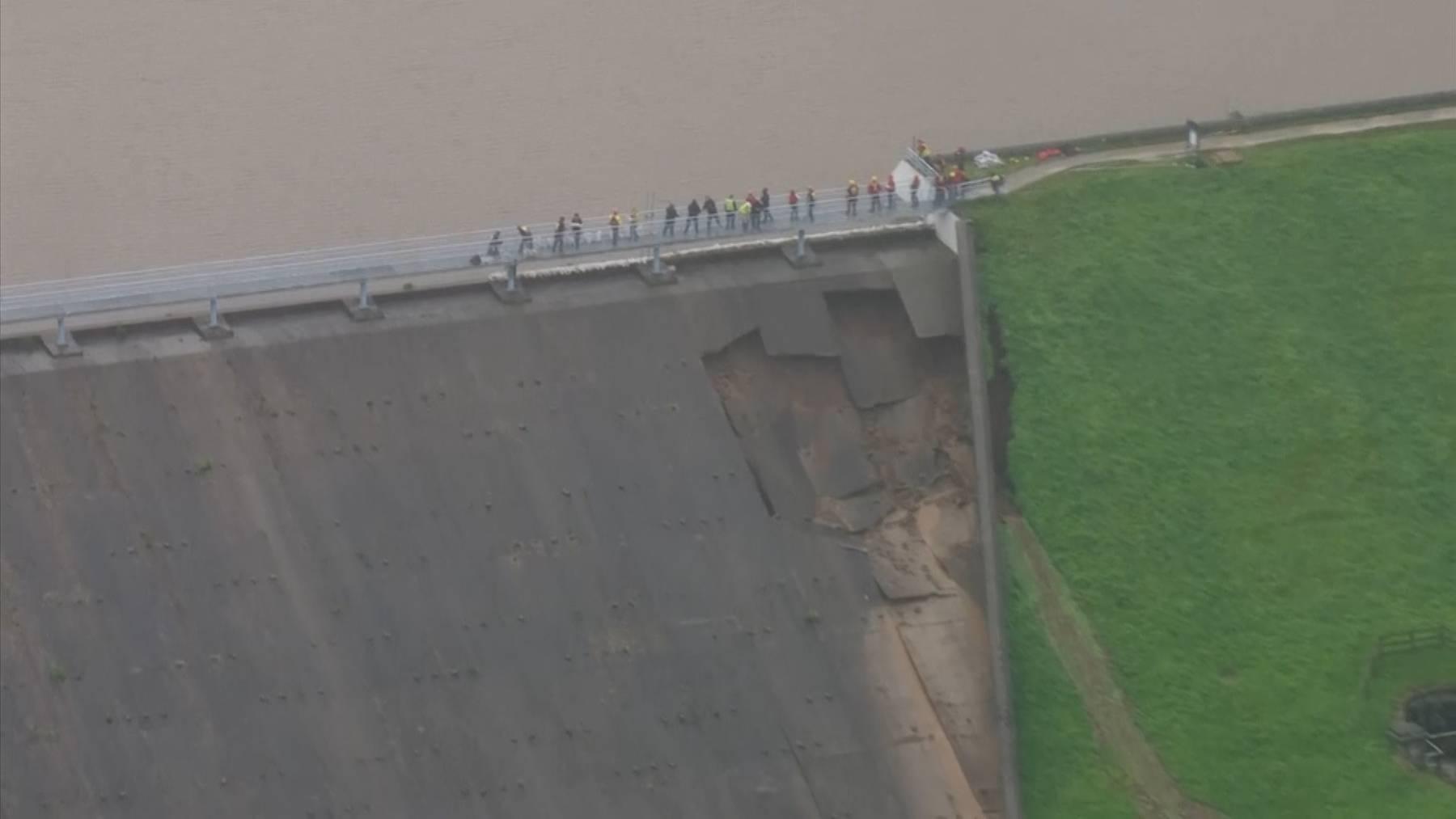Staudamm in England droht zu brechen