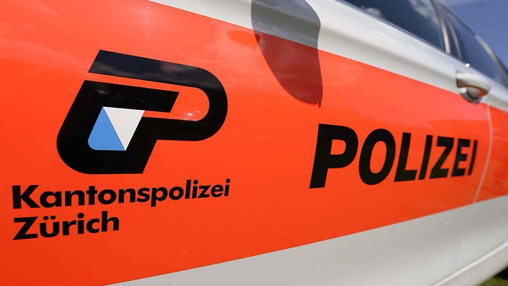 Zuerst entwischt, dann am Wohnort festgenommen: Die Kantonspolizei Zürich hatte es am Samstag mit einem 27-jährigen Irrfahrer zu tun. (Symbolbild)
