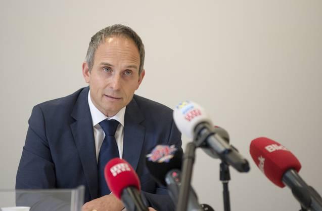 Urs Bartenschlager (r.), Chef der Solothurner Kriminalpolizei
