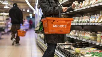 In der Migros könnte es bei den Süsswaren zu Lücken im Regal kommen.