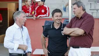 Roger Geissberger (r.), Vizepräsident und Leiter Ressort Sport, mit Trainer Jurendic. Links FCA-Präsident Alfred Schmid.