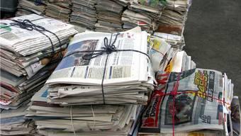 Neu wird die Firma Loacker für das Sammeln von Papier und Karton in Zürich zuständig sein. (Symbolbild)