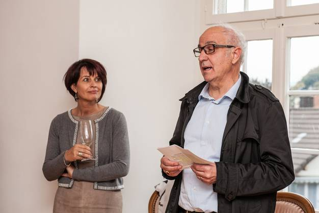 Gemeinderat Reinhard Scherrer (CVP) erzählt über die Geschichte von Klingnau