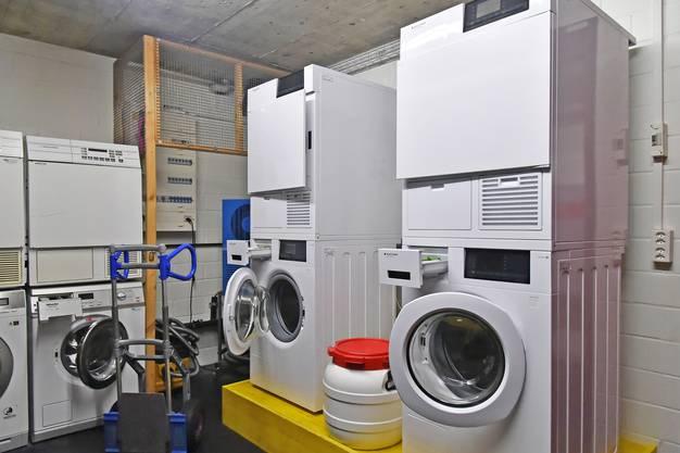 Drei Maschinen braucht Peter Neuhaus, um einen Satz Trikots zu waschen.
