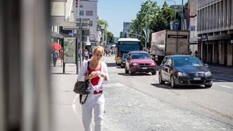 Ohne die separate Busspur war das Gedränge auf der Bahnhofstrasse in der letzten Woche besonders stark.