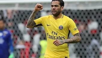 Dani Alves entschied mit seinem ersten Treffer in der Ligue 1 die Partie zwischen Nice und Paris Saint-Germain