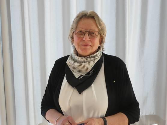 Gudrun Goitein führt beim 21. Prix Rotary durch den Nachmittag im Oberstufenschulhaus Chapf in Windisch.