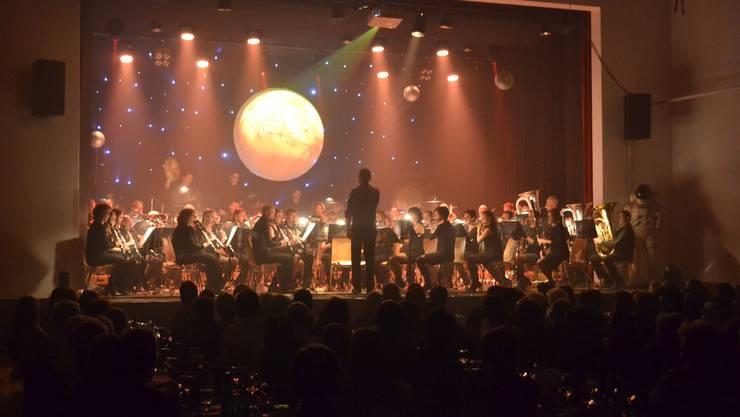Die Stadt wollte eine neue Halle, wo unter anderem auch Konzerte der Harmonie Schlieren stattfinden können.