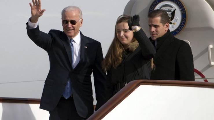 Neue Familienkonstellation, neues Glück: Hunter Biden (rechts), Sohn des ehemaligen US-Vizepräsidenten Joe Biden (links), hat sich in die Witwe seines an Krebs verstorbenen Bruders verliebt. (Archivbild)