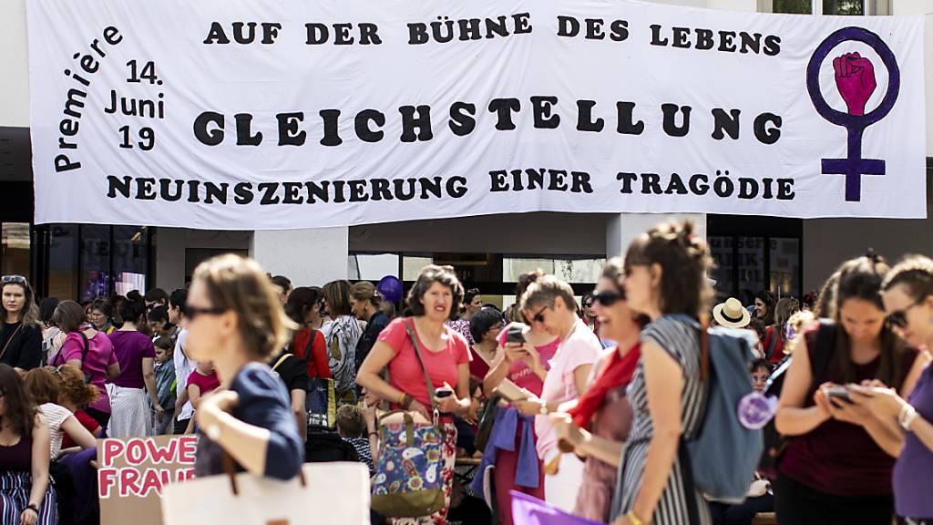 Firmen müssen Lohngleichheit überprüfen – Kanton St.Gallen bietet Beratung