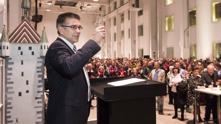 """""""Ich wünsche Ihnen allen viel Kraft und Energie – wir im Stadtrat können sie auch brauchen"""": Markus Schneider hielt in Baden die Neujahrsansprache."""