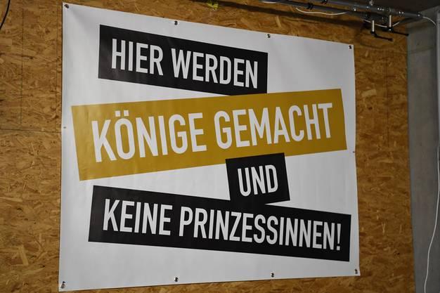 Schwingerkönig Christian Stucki hat Tommy Herzog dieses Plakat geschenkt.