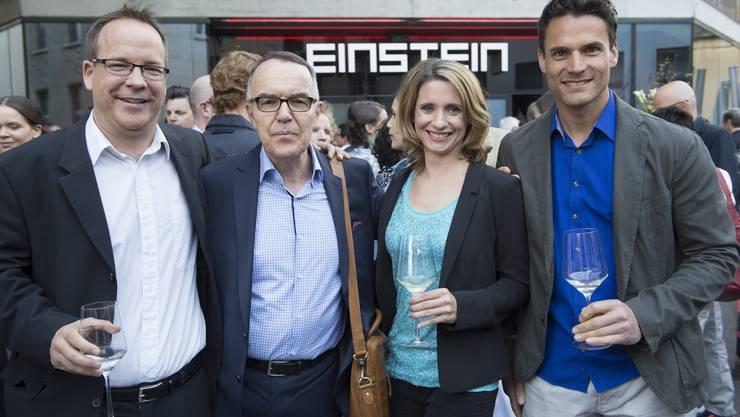 Bekannte Fernsehgesichter von heute (v. l.): die Chefredaktoren Stephan Gassner (Tele M1) und Markus Gilli (Tele Züri) zusammen mit den Moderatoren Simone Widmer und Adrian Remund.