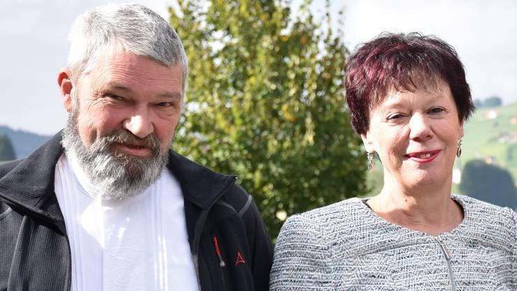 Der scheidende Präsident Lorenz Koller und die neue Präsidentin Esther Gassler.