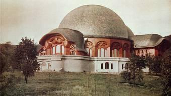 Wirkte wie aus Stein, war aber aus Holz und Gips: Das erste Goetheanum existierte nur zwei Jahre, von 1920 bis 1922. Keystone