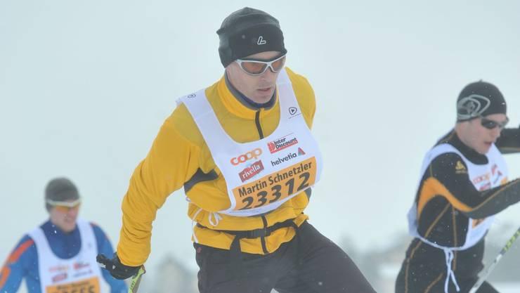 Martin Schnetzler (Mitte) beim Engadin-Skimarathon. Foto: zg