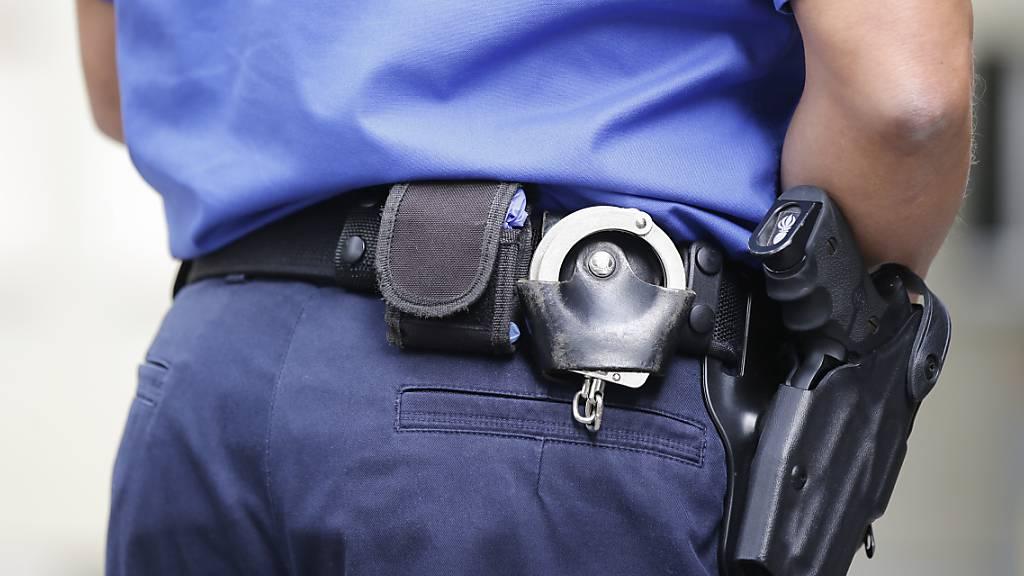 Polizisten drohen in Brief mit Befehlsverweigerung