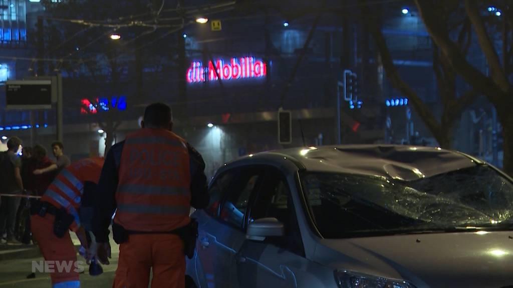 Nach Unfall beim Bollwerk: Einsatzkräfte mit Flaschen beworfen