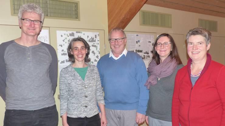 Sind eingebunden in die Gestaltung des zu schaffenden Dorfzentrums Wittnau: (v. l.) Philipp Müller, Daniela Bächli, Markus Schnidrig, Emily Oertelt, Gertrud Häseli.