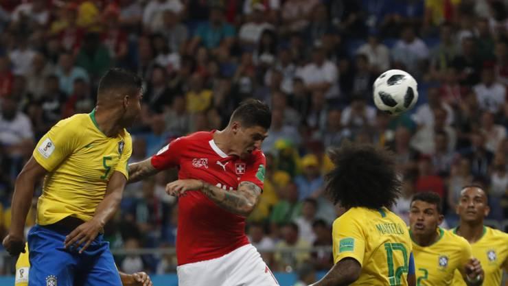 Alles mit rechten Dingen zugegangen: Steven Zuber verschafft sich Platz und erzielt gegen Brasilien das 1:1